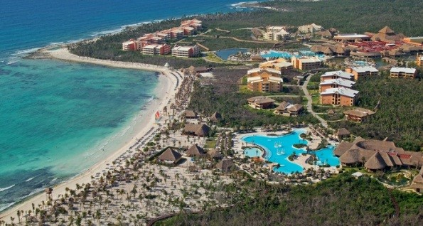 Grand Palladium White Sand y Riviera Resort & Spa